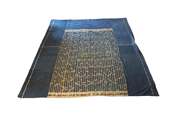 accents_primary_guatemala_togo_bedspread_5.jpg
